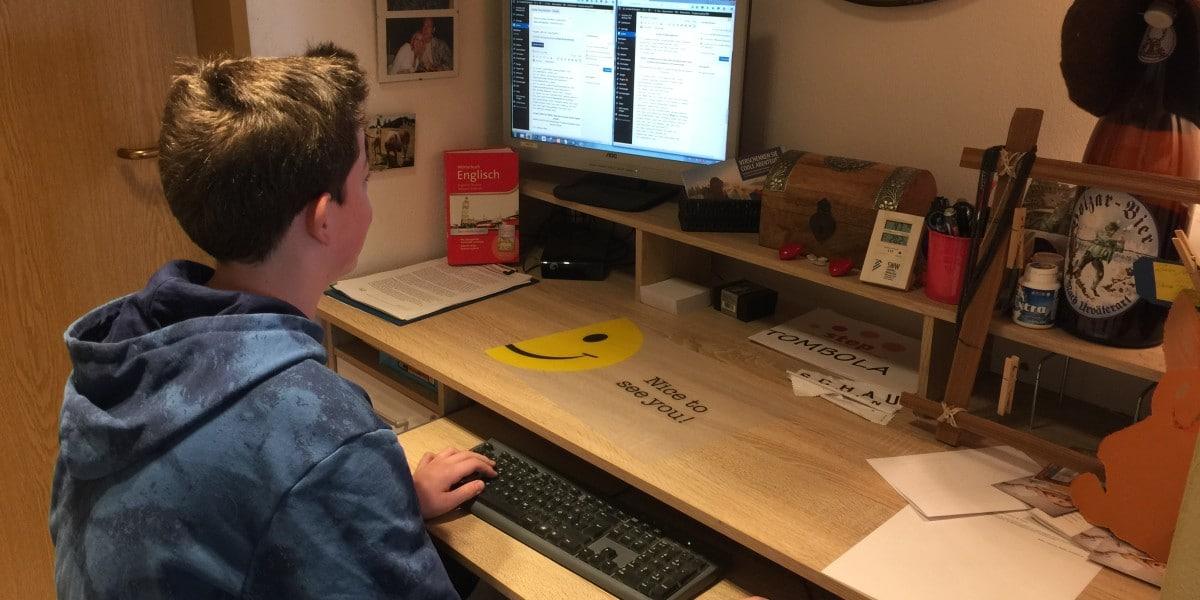 Wie bekomme ich mein Kind vom Computer - Erziehungsberatung in der lernfabriQ Kempten.