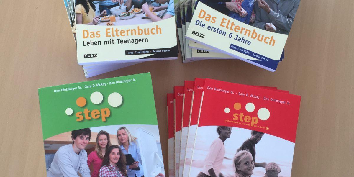 Neue Step-Elternbücher, verfügbar in der lernfabriQ Kempten - Nachhilfe, Prüfungsvorbereitung und Sprachschule im Allgäu.