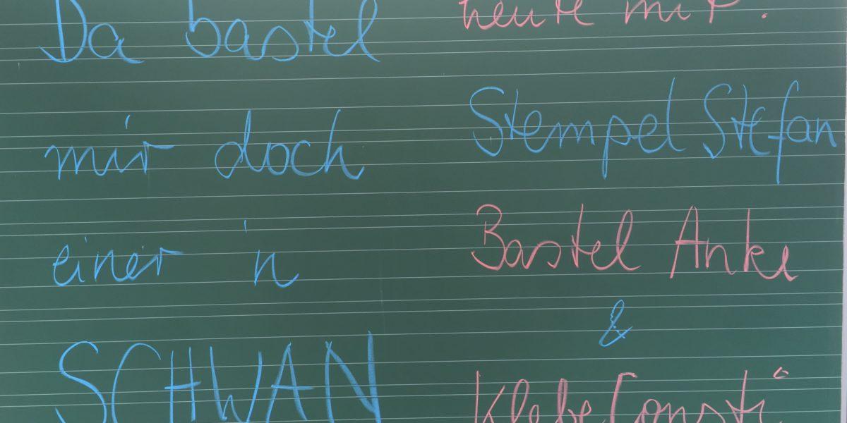Kinder basteln am Familien- und Sporttag mit der lernfabriQ Kempten - Nachhilfe, Prüfungsvorbereitung und Sprachschule im Allgäu.